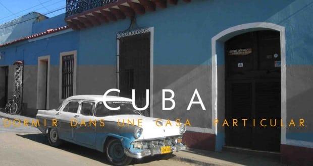 cuba et les casa particular vieille voiture bleue