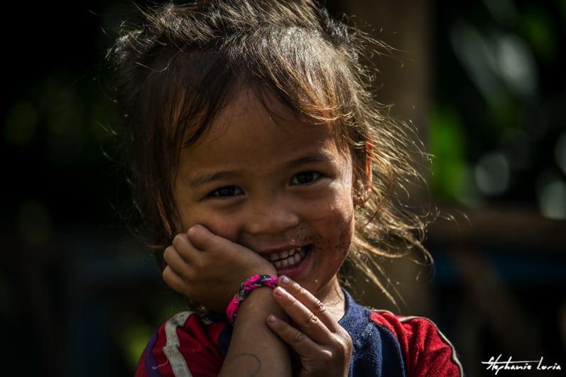 Distribuation de bralecelets au nepal00