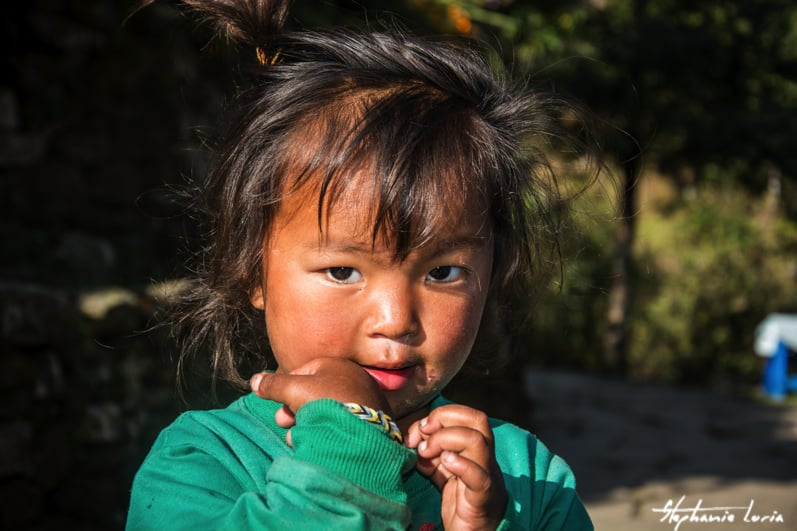 Distribuation de bralecelets au nepal06