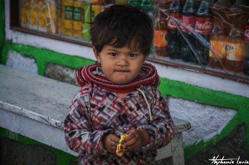 Distribuation de bralecelets au nepal08