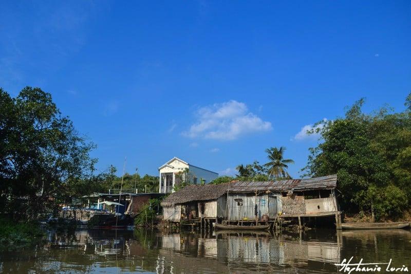 maisons flottantes dans le delta du mekong