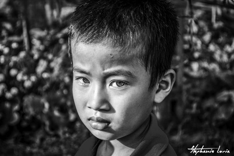 petit garcon au vietnam dans le delta du mekong