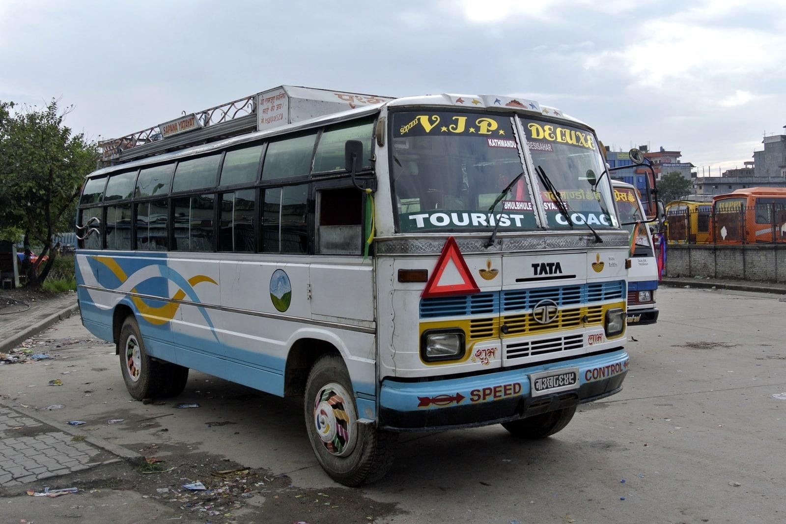 deluxe bus nepal